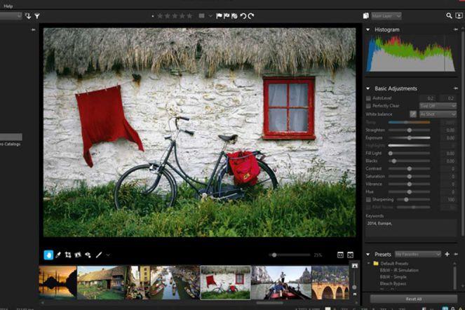 Download Corel AfterShot